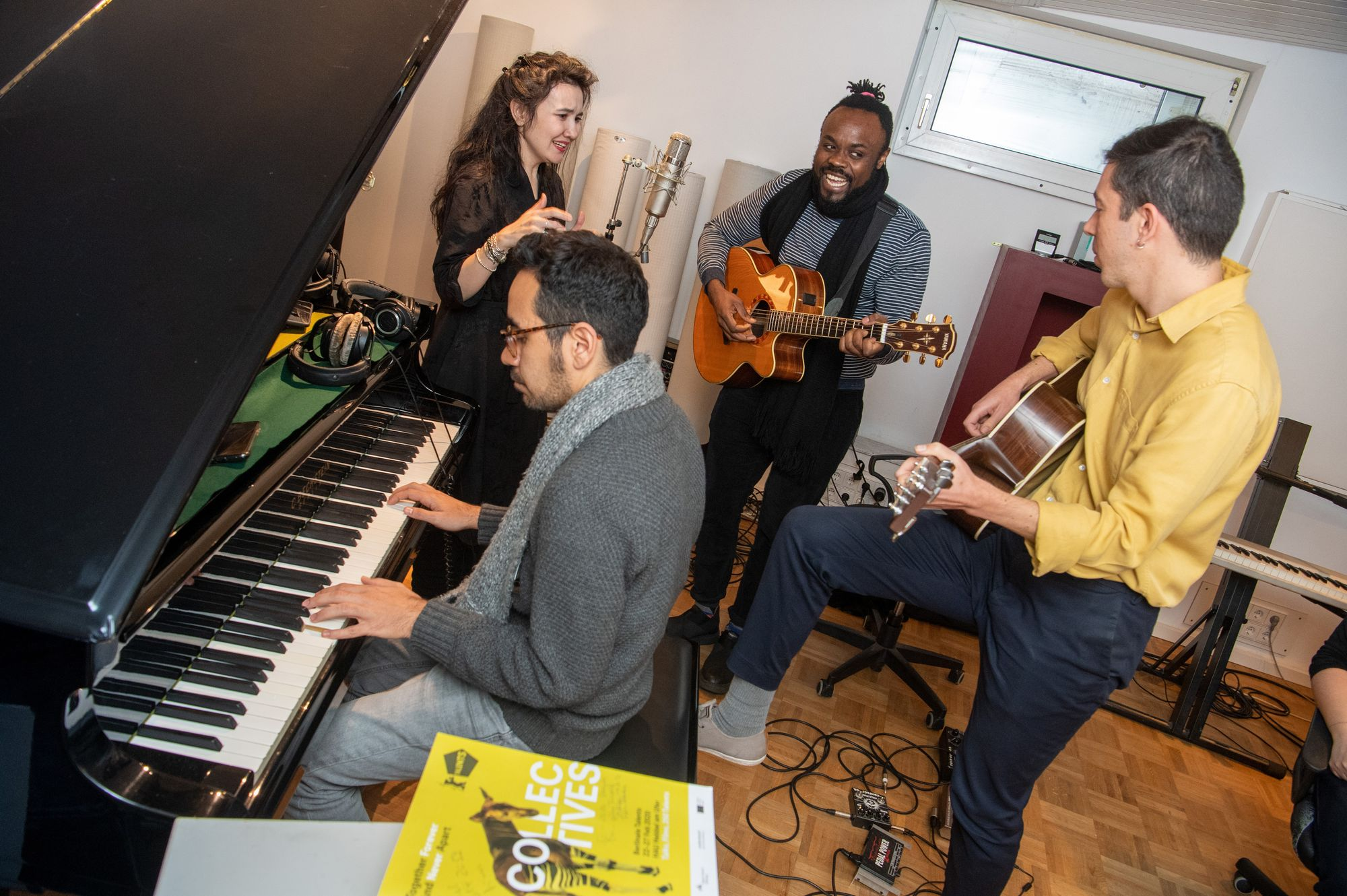 Mergen, Kenji Kishi, Ange de Costa and Pablo Scopinaro making music at the Sound Studio Workshop.